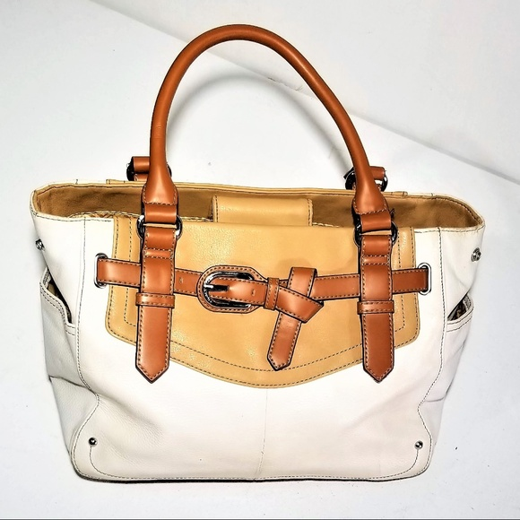 Tignanello Handbags - Tignanello Gorgeous Leather Purse